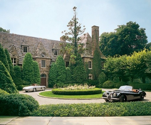 Take-a-Peek-Inside-the-Homes-of-Coco-Chanel-Karl-Lagerfeld-Valentino-Ralph-Lauren-and-Vera-Wang-15