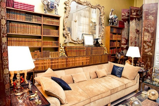 Take-a-Peek-Inside-the-Homes-of-Coco-Chanel-Karl-Lagerfeld-Valentino-Ralph-Lauren-and-Vera-Wang-2