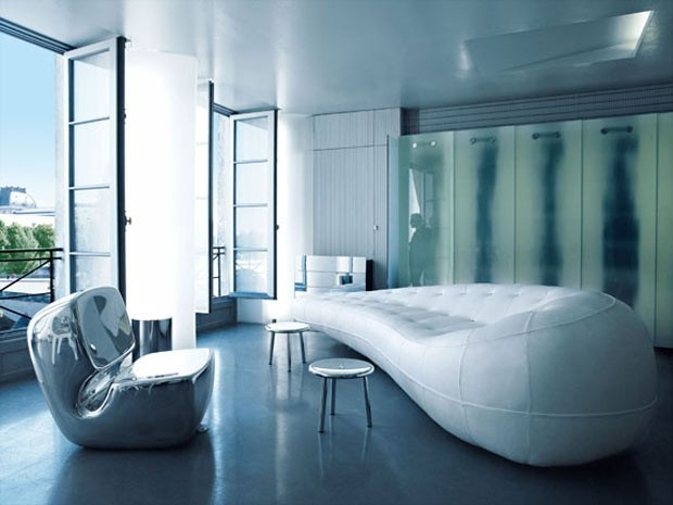 Take-a-Peek-Inside-the-Homes-of-Coco-Chanel-Karl-Lagerfeld-Valentino-Ralph-Lauren-and-Vera-Wang-7
