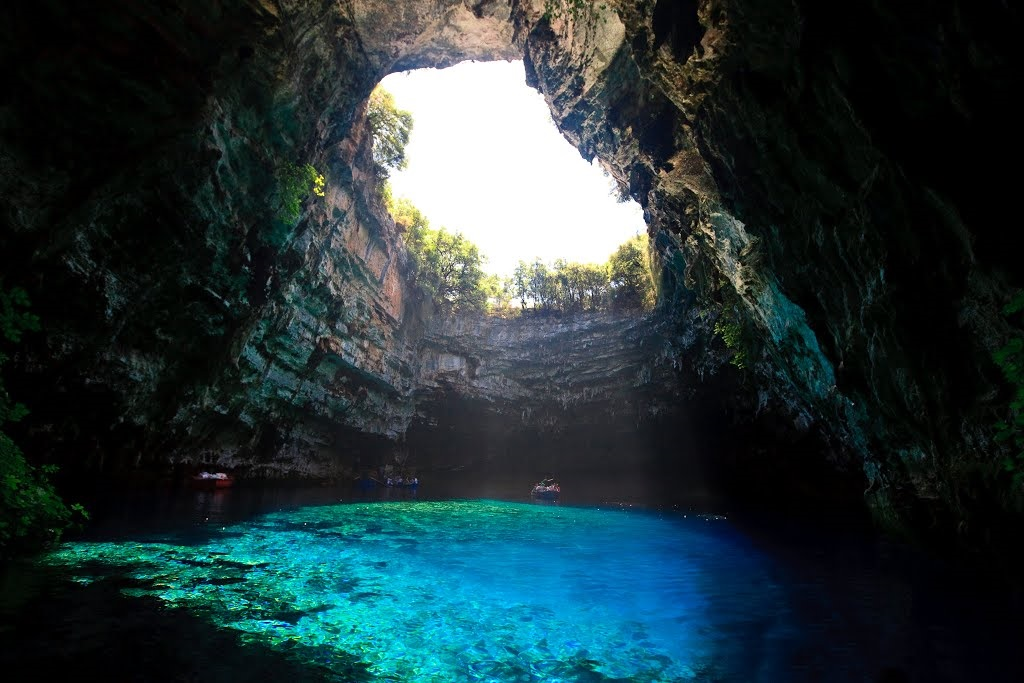 Melissani-The-Violet-Cave-4